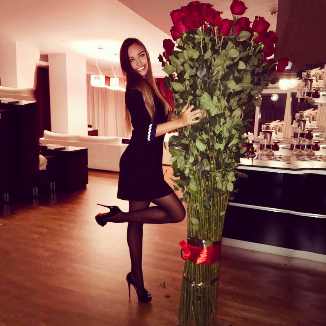 Букет 51 высокой розы 200 см