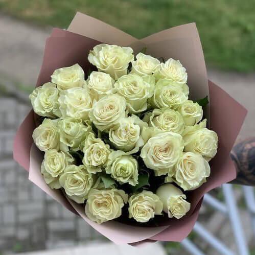 Букет 19 «Роз Мондиаль» Cream 50см