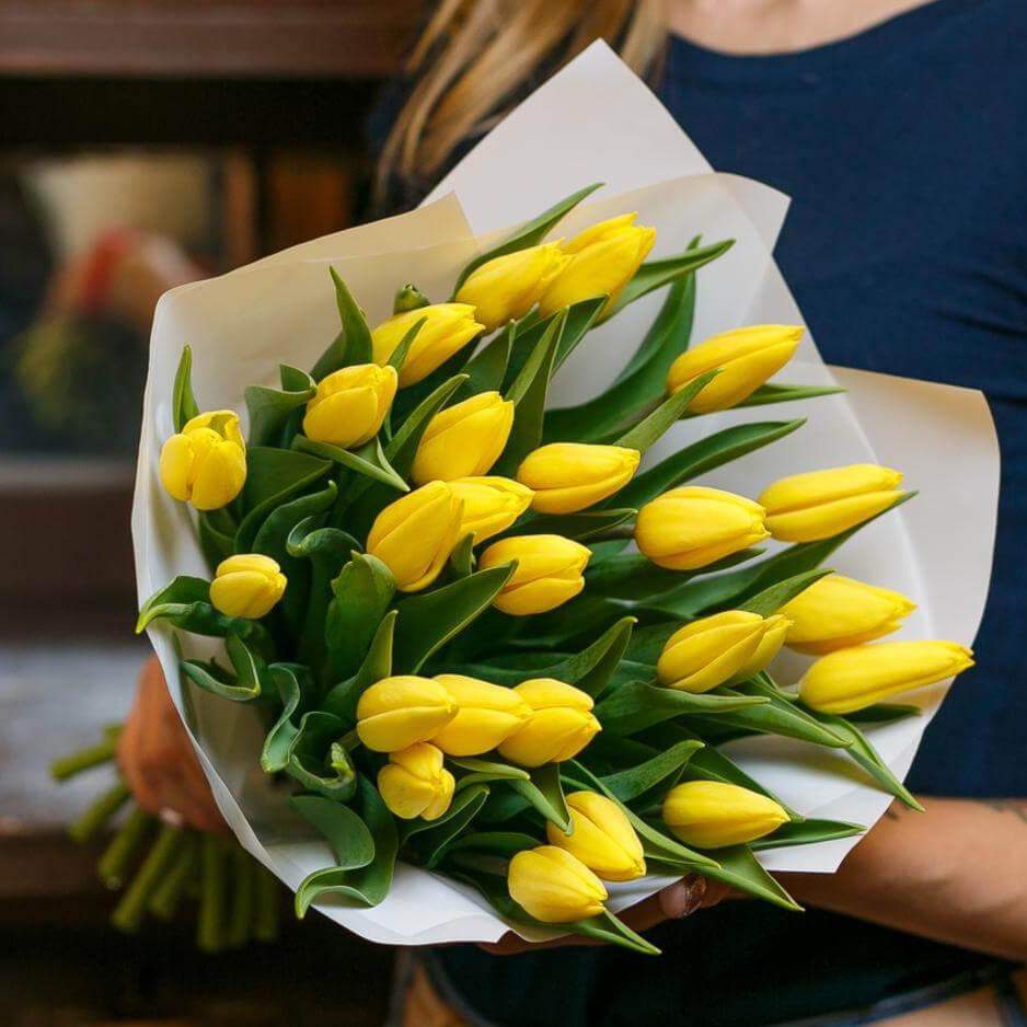Желтые тюльпаны букет