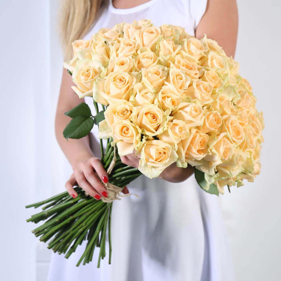 Букет 59 «Кремовых Роз» 40см