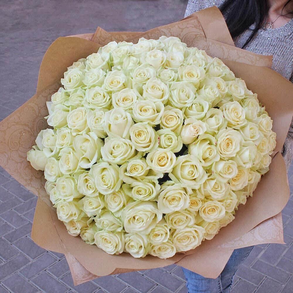 Букет 101 «Белая Роза» Kraft 55см