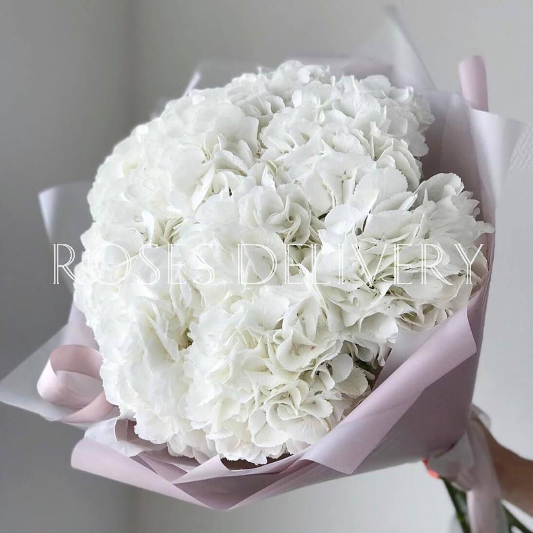 Букет 9 «Белых Гортензий» Pink 55см