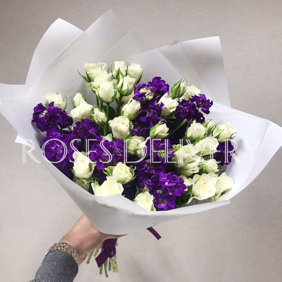 Букет 19 «Кустовых Роз» White 55см