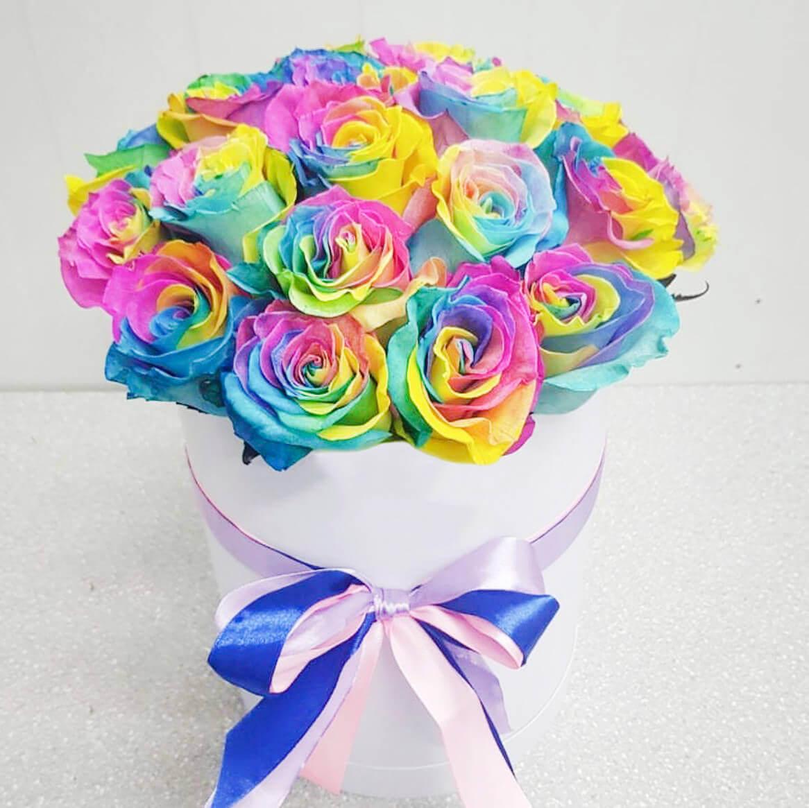 Коробка 15 «Радужных Роз» White