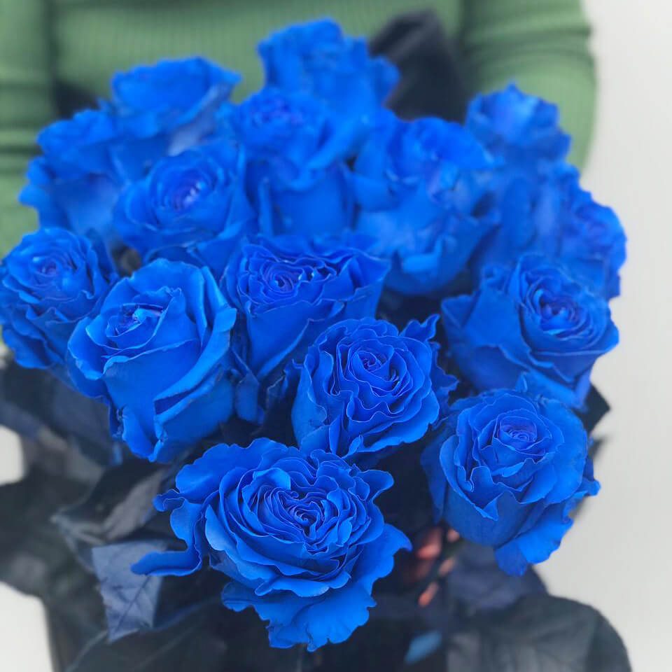 Синие розы букет