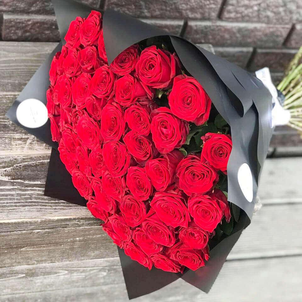 Букет 51 «Красная Роза» Black