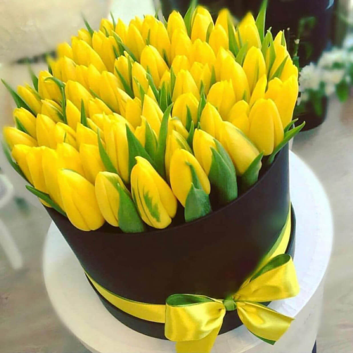 Коробка 49 «Желтых Тюльпанов» Black