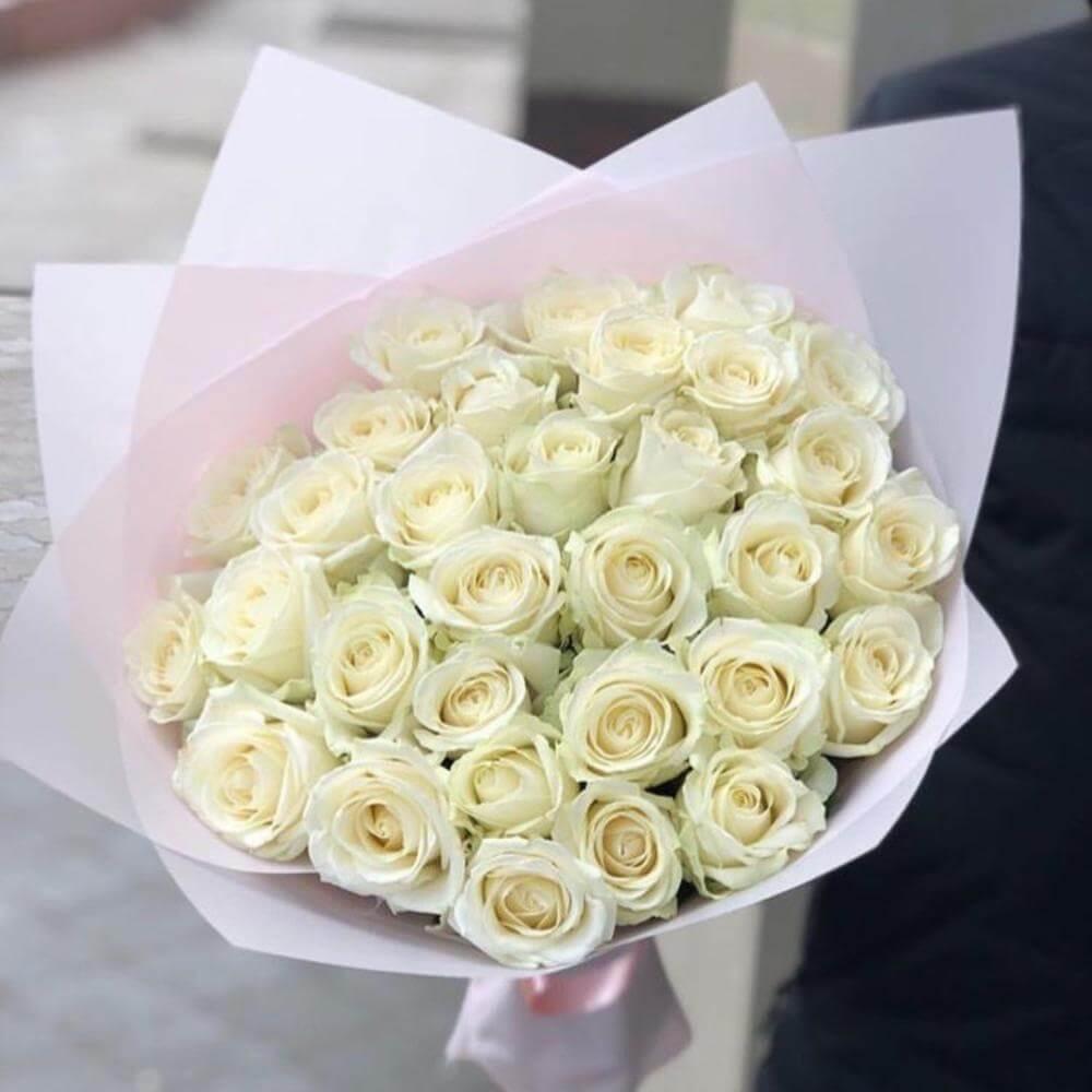 Букет 39 «Белых Роз» Pink 40см