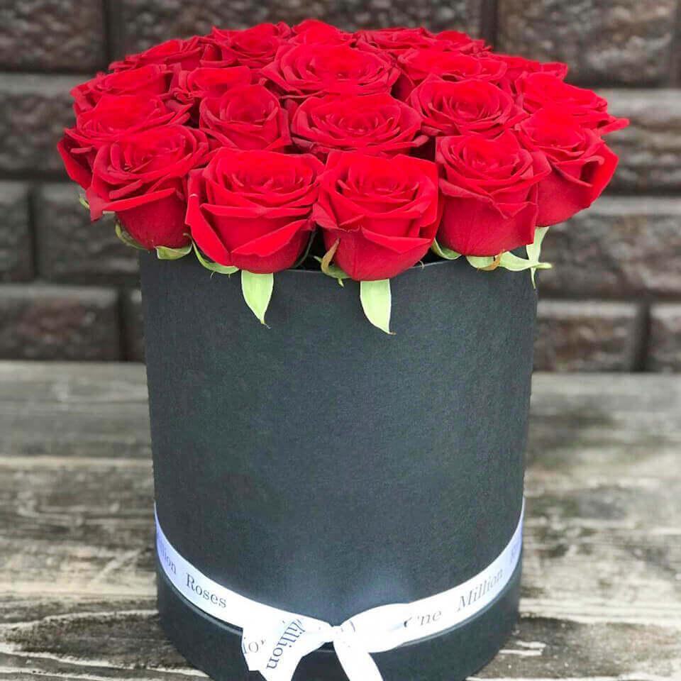 Коробка 25 «Красных Роз» Black