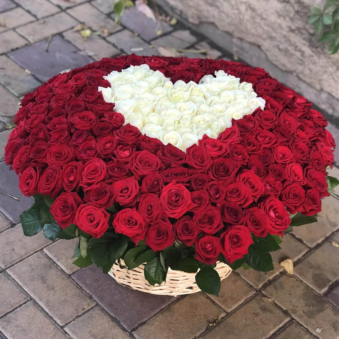 Корзина 701 «Красная Роза Сердце»