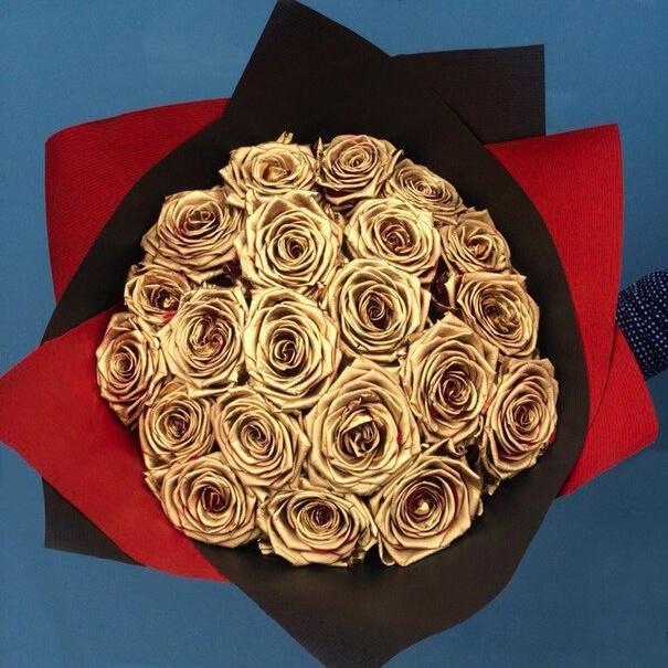 Букет 19 «Золотых Роз» Black 60см
